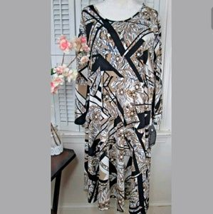 AVENUE floral dress New plus size 30/32
